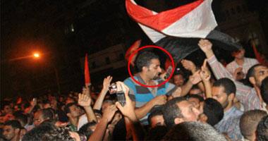 أحمد الشحات محمولا على الأعناق
