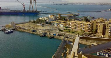 السفن الإيرانية تعبر قناة السويس