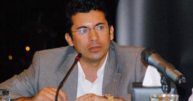 نائب وزير الشباب لطلاب جامعة القاهرة: تمسكوا بأحلامكم مهما بلغت التحديات
