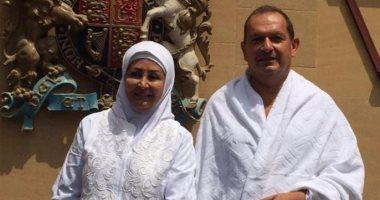 السفير البريطانى بالسعودية يؤدى مناسك الحج بصحبة زوجته بعد إشهار إسلامه