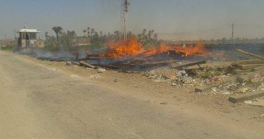 السيطرة على حريق 40 فلنكة من مخلفات السكة الحديد بالبلينا فى سوهاج