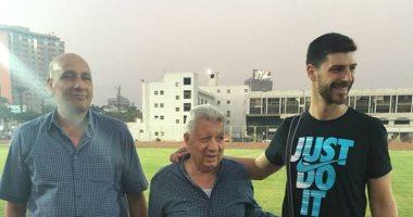 """بالصور .. لاعب """"طائرة"""" الزمالك البلغارى يجتمع بمرتضى منصور لإنهاء تفاصيل التعاقد"""