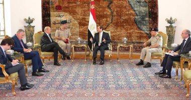 """الرئيس عبد الفتاح السيسي يستقبل """"جان إيف لودريان"""" وزير الدفاع الفرنسي،"""