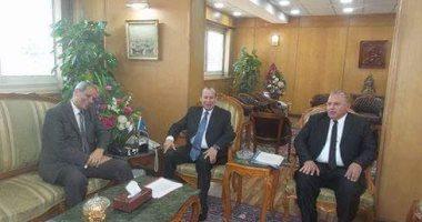 وزير التربية والتعليم يزور دمياط ويضع حجر أساس مدرسة ويفتتح 4 مدارس أخرى