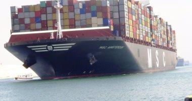 الفريق مهاب مميش : عبور 55 سفينة قناة السويس بحمولة 3.7 مليون طن -