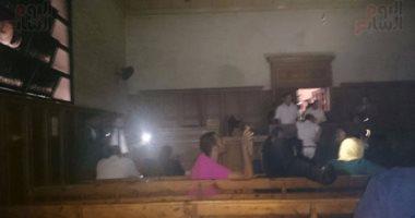 """انقطاع الكهرباء عن محكمة شمال القاهرة ربع ساعة خلال نظر تظلم """"أحمد شفيق"""""""