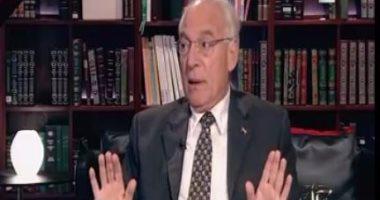 فاروق الباز: ترامب مسؤول عن انتشار كورونا بأمريكا وعليه أن يصمت