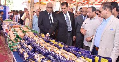 نائب يطالب الحكومة بزيادة سيارات البيع للسلع المدعمة وضبط الأسواق فى رمضان
