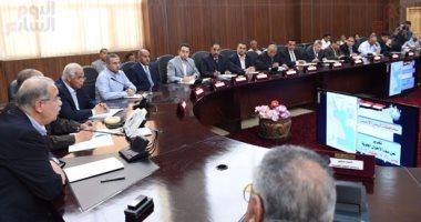 بالصور.. رئيس الوزراء يتوجه إلى الغردقة للاجتماع مع مسئولى المحافظة والنواب