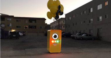 بالصور.. سناب شات تطلق آلات Snapbots لبيع نظارتها فى الشوارع