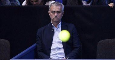 بالصور.. مورينيو يهرب من ضغوط اليونايتد بمشاهدة مباراة تنس بحضور بيكيه