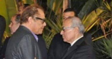 أحمد شفيق ينعى محمود عبد العزيز: فقدنا رجلاً أحب تراب مصر