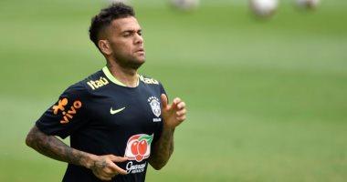تقارير: دانى ألفيس يغيب عن البرازيل فى مونديال روسيا