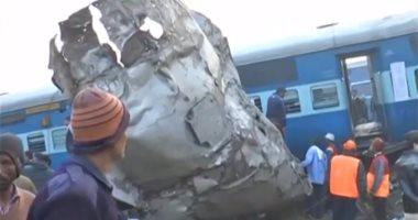 بالصور.. ارتفاع حصيلة ضحايا خروج قطار عن القضبان فى الهند إلى 91 قتيلا