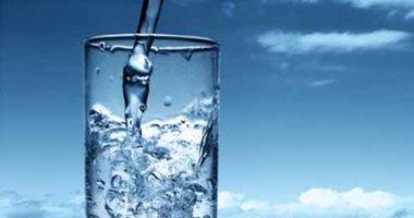 الإفراط فى تناول المياه يؤدى إلى مشاكل الكلى والكبد والقلب