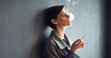 المواد السامة لدخان السجائر تستمر آثارها للأبد بالمناطق المغلقة
