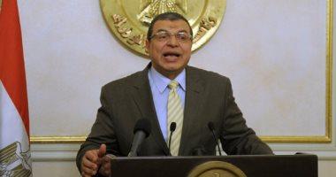 وزير القوى العاملة يتلقى تقريرًا عن استحداث 3 مراكز بالإمارات للمنازعات