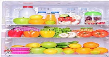 CDC warns that storing raw meat on the top shelf of the refrigerator spreads dangerous bacteria