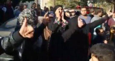 """بالفيديو.. أهالى الهرم بموقع الانفجار: """"شرطة وشعب وجيش إيد واحدة"""""""