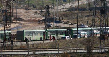 حافلات تقل عناصر داعش تصل لدير الزور مقابل إطلاق سراح أسير من حزب الله