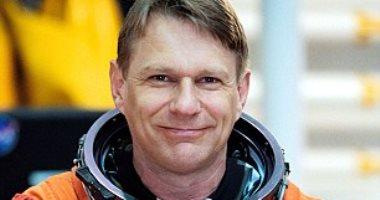 10 معلومات عن حياة رائد فضاء ناسا البريطانى الأمريكى-بيرس