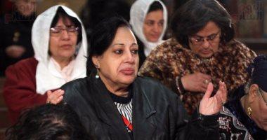 الكنيسة البطرسية تبدأ أول عشية بعد ترميمها بالصلاة للشهداء