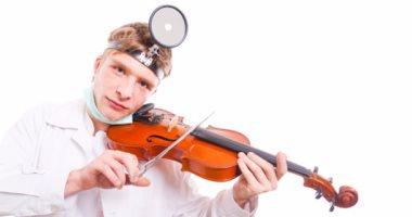 الموسيقى تحسن عمل المخ.. وعلماء يبتكرون خوذة موسيقية للاسترخاء