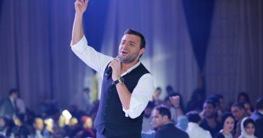 """بالصور.. رامى صبرى يبدأ العام الجديد مع جمهوره بحفل """"كامل العدد"""""""