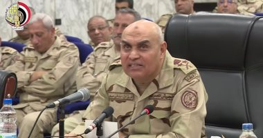 وزير الدفاع يلتقى رجال حرس الحدود.. ويؤكد: تأمين حدود مصر مهمة مقدسة