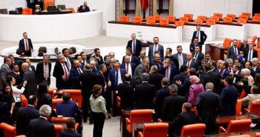 البرلمان التركي يقر تمديد حالة الطوارئ لمدة 3 أشهر