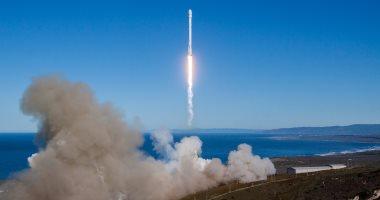 بعد التأجيل ثلاث مرات سبيس إكس تطلق أقمارها الصناعية على متن فالكون 9
