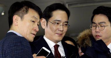 الادعاء الكورى الجنوبى يبحث الآثار الاقتصادية لاعتقال رئيس سامسونج - اليوم السابع