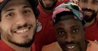 """إيفونا ينشر صورته مع لاعبى الأهلى بالمنتخب الوطنى: """"عائلتى.. حظا سعيد"""""""