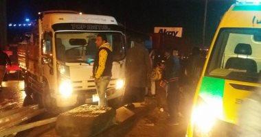 مصرع 3 أشخاص و إصابة 7 أخرين فى تصادم 6 سيارات بالنزهة