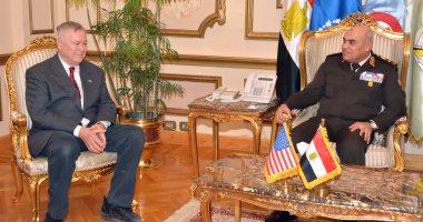 وزير الدفاع يلتقى وفدا من الكونجرس الأمريكى لبحث سبل تجفيف منابع الإرهاب