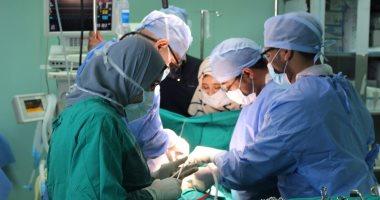 بالصور.. مستشفى قنا الجامعى تجرى 8 عمليات قلب مفتوح للأطفال