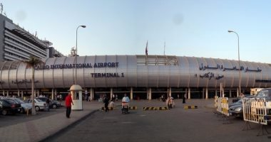 طائرة رئيس كينيا تتوقف بمطار القاهر ترانزيت للتزود بالوقود