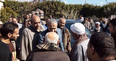 بالفيديو.. وزير التموين الجديد للأهالى أمام منزله بالشرقية: سأتصدى لجشع التجار