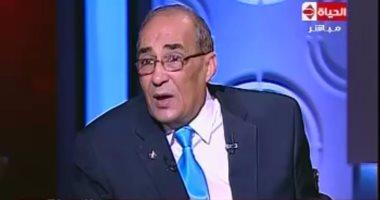 طيار الرئيس الأسبق: طائرة مبارك الرئاسية هدية من القذافى