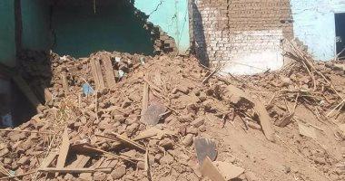 إخلاء 4 منازل بعد حدوث تصدعات وتشققات بها بسبب تسرب مياه الصرف بسوهاج