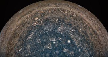مركبة فضاء أمريكية تكتشف أعاصير وأنهار من الأمونيا على كوكب المشترى