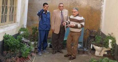 بالصور .. معلمون وطلاب يشاركون فى طلاء المدارس بإدارة غرب كفر لشيخ
