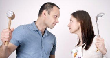 الاحتواء والصبر.. إزاى تنقذى بيتك وتعدى بزوجك مرحلة المراهقة المتأخرة