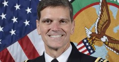 قائد القيادة المركزية الأمريكية: مصر من أهم شركائنا فى المنطقة