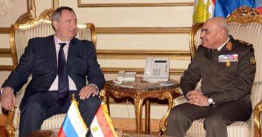 موقع القوات المسلحة ينشر فيديو للقاء وزير الدفاع بنائب رئيس وزراء روسيا