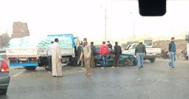 إصابة 8 أشخاص بينهم 3 أمناء شرطة فى تصادم سيارتين بطريق السويس الصحراوى