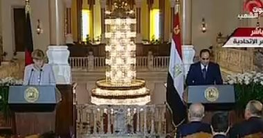 السيسي: لدينا 5 ملايين لاجئ فى مصر.. وحريصون على حقوق الإنسان