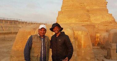 ويل سميث يزور الأهرامات برفقة زاهى حواس