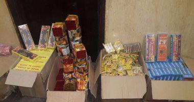 قوات الأمن بالإسكندرية تضبط 15 ألف صاروخ نارى بحيازة بائع متجول