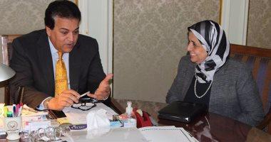 """بالصور.. وزير التعليم العالى يستقبل """"رئيس ضمان جودة التعليم والاعتماد"""""""